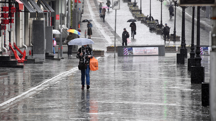 В Москве уже превышена норма осадков. Дождь продлится в выходные