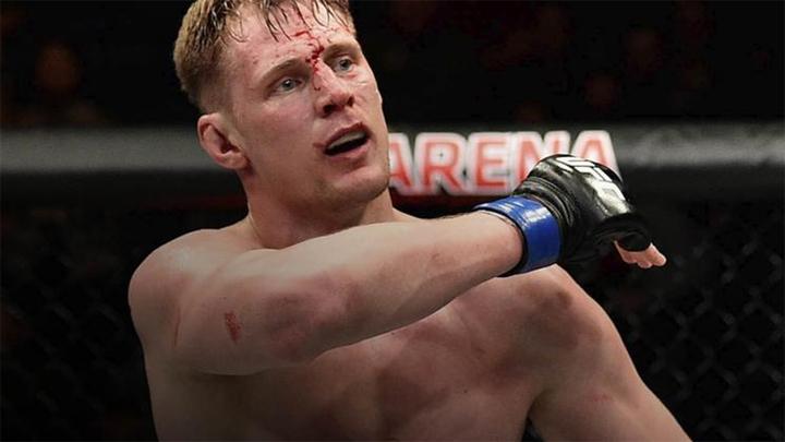 UFC. Волков после победы над Оверимом был доставлен в больницу
