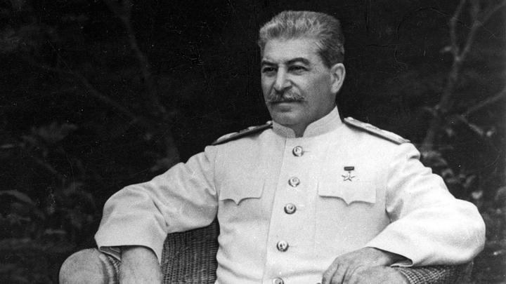 Лавров: попытки выставить Сталина главным злодеем эпохи – атака на итоги войны