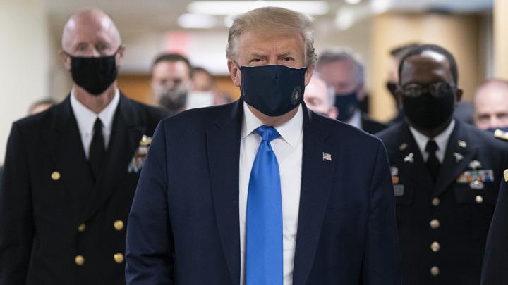 Трамп работает с коронавирусом, Байден сдал тест