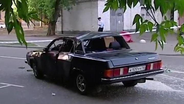 """Пьяные школьницы перевернулись на угнанной """"Волге"""" в центре Москвы"""