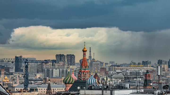 """В Москве ожидается гроза и """"похолодание"""" до плюс 14"""