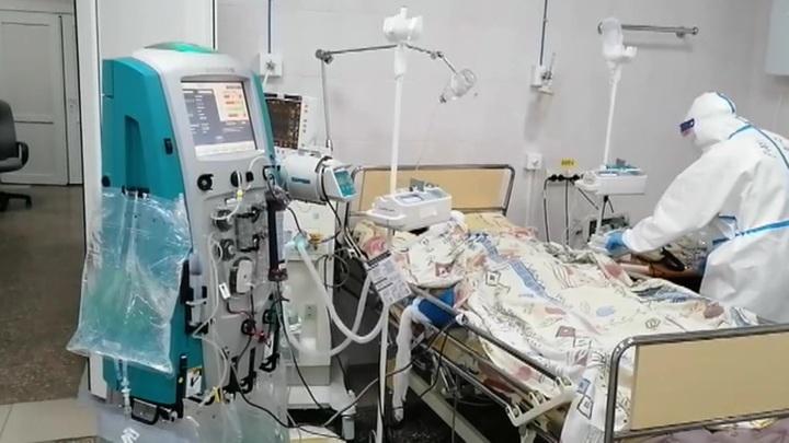 В настоящий момент в России коронавирусом болеют 188464 человека