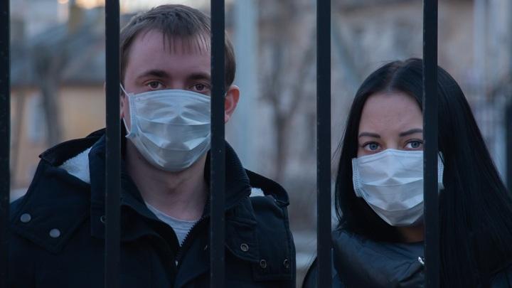 В деле защиты от коронавируса любая маска лучше чем ничего.