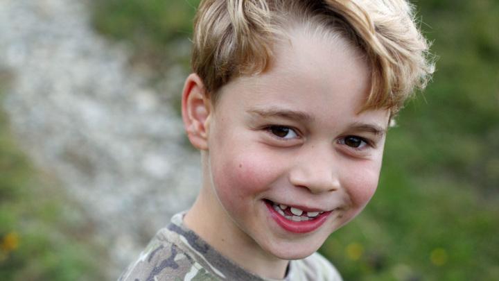 Принцу Джорджу — 7 лет: опубликованы новые снимки будущего короля Британии