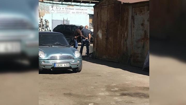 Мужчина с гранатой взял в заложники полковника полиции в Полтаве