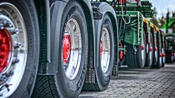 Производители ЕС прекратят продажи бензиновых и дизельных грузовиков к 2040 году