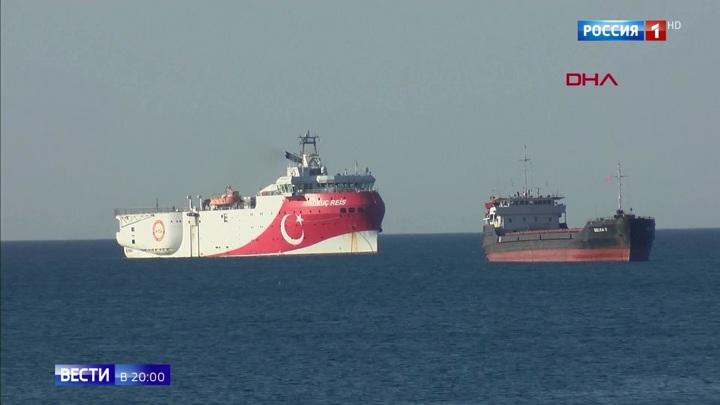 Конфликт внутри НАТО: ВМФ Греции строят морской заслон перед турецким судном-разведчиком