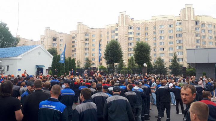 БелАЗ грозит остановкой. МАЗ начал забастовку