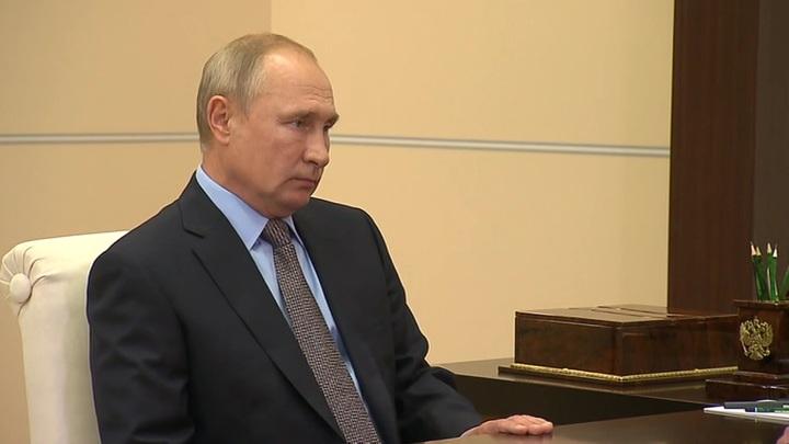 Путин: коллекторы иногда переходят всякие границы, это надо брать под контроль