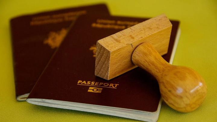 Житель Тольятти пытался выехать в ОАЭ по чужому паспорту