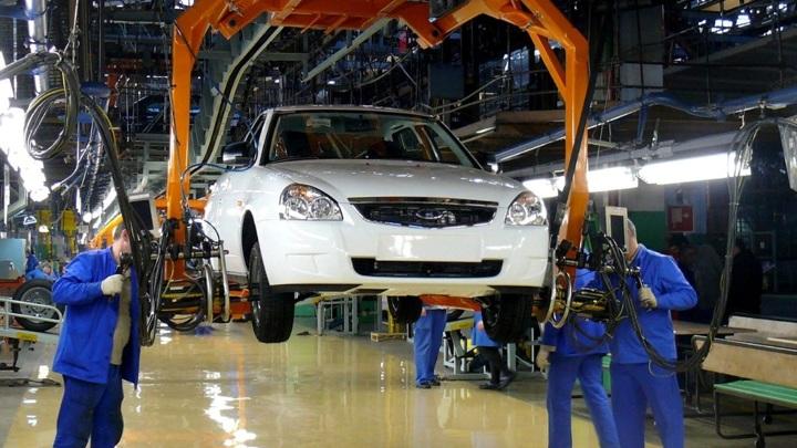 """Продажи """"АвтоВАЗа"""" в октябре выросли на 22,5%, обновив рекорд с 2014 года"""