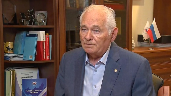 Рошаль предложил ввести уголовное наказание за подстрекательство против вакцинации