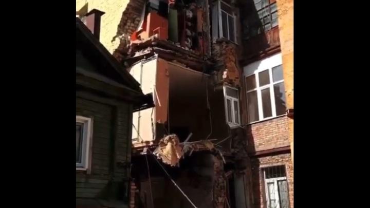 В самаре рухнул балкон фото