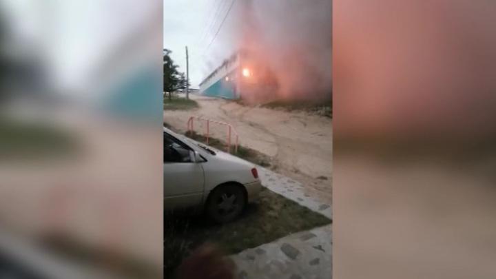 """В Иркутской области на турбазе """"Чайка"""" сгорел крытый бассейн"""