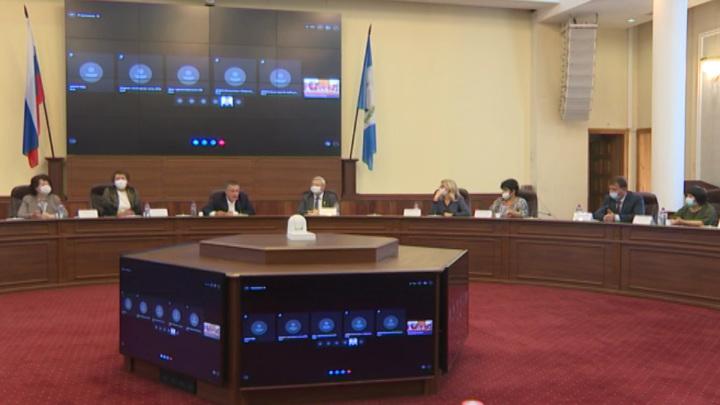 Игорь Кобзев встретился с врачами и руководителями областных медучреждений