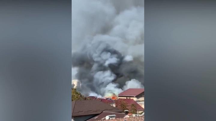 В горящей в Кишиневе филармонии рухнули крыша и потолок