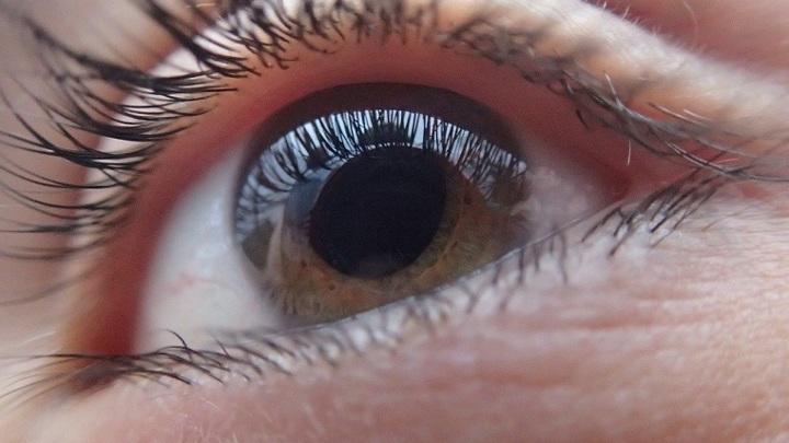 Челябинские врачи восстановили зрение ребенку со сложной патологией
