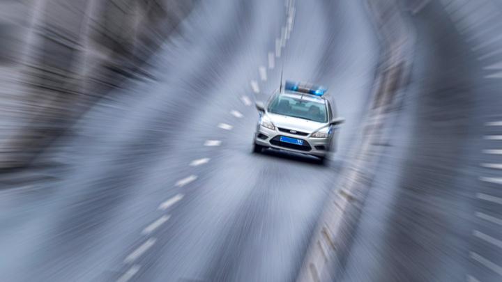В Москве полицейский на служебной машине сбил пешехода