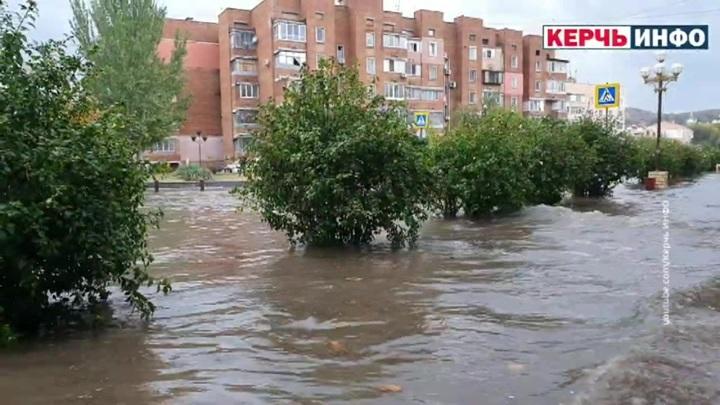На южные регионы России обрушилась непогода