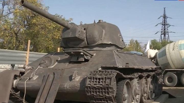 Легендарный танк Т-34 на Мамаевом кургане начали реставрировать