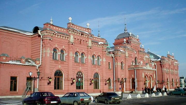 Главное здание ж/д вокзала в Казани / Kazaneer / CC BY