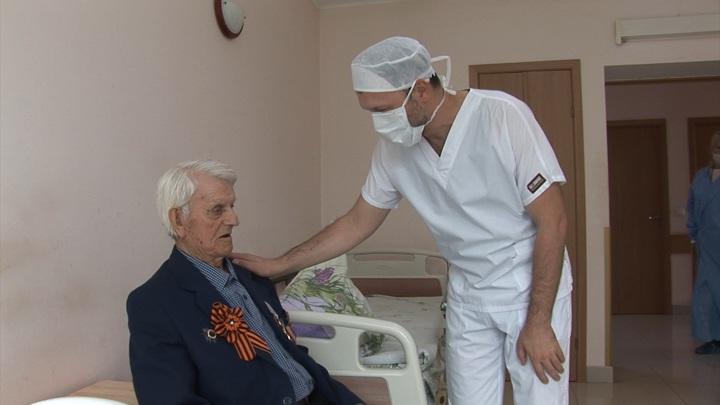 Калининградские врачи спасли ногу 96-летнему ветерану ВОВ