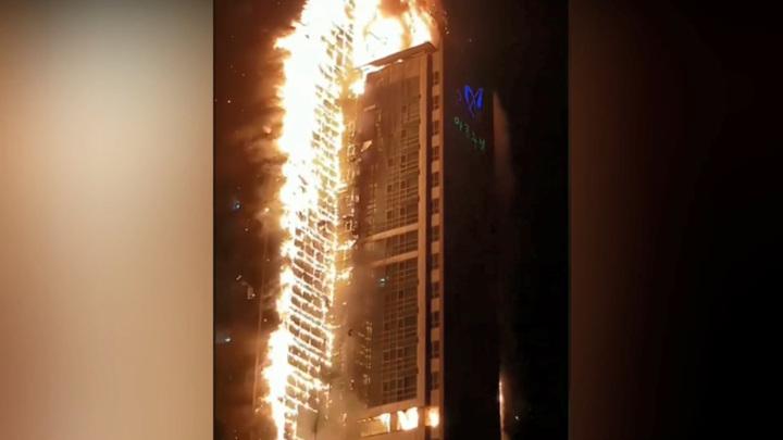 В Южной Корее пожар в небоскребе не могут потушить из-за сильного ветра