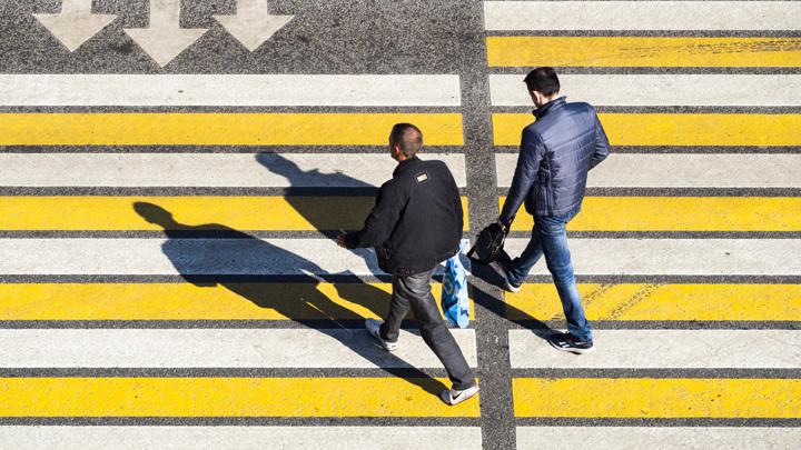 ГИБДД пояснила, когда водителей не надо штрафовать на пешеходных переходах