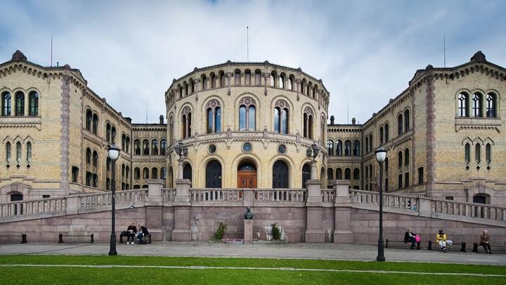 На выборах в Норвегии победу одержала оппозиция