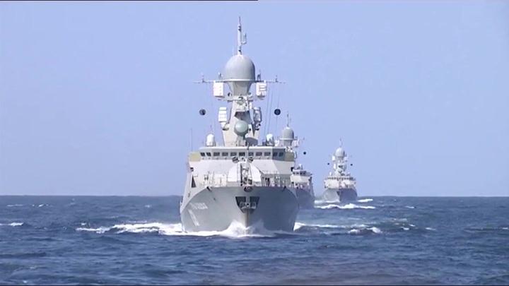 Корабли Каспийской флотилии перешлив Черное море