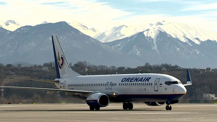 В Сочи из-за ночной задержки рейсов ожидают вылета более 2000 человек