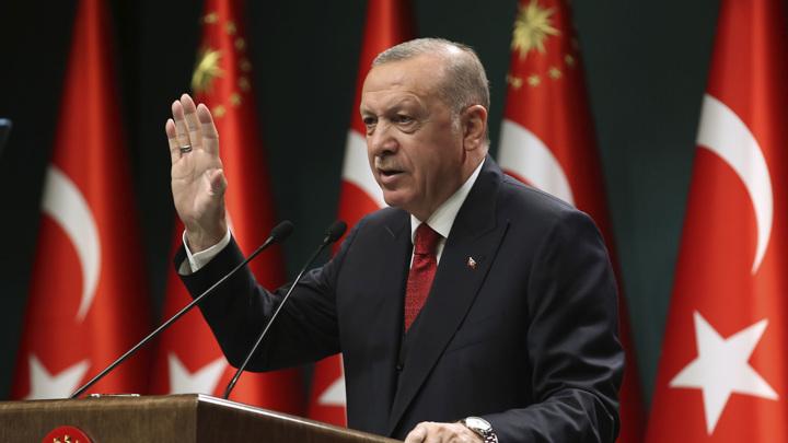 Эрдоган оскандалился со стихотворением