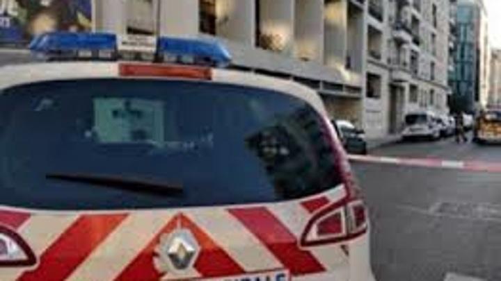 """Во Франции обсуждают вечеринку полицейских, танцевавших """"Макарену"""" без масок"""