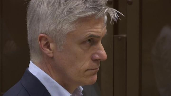 Прокурор просит для Калви 6 лет условно