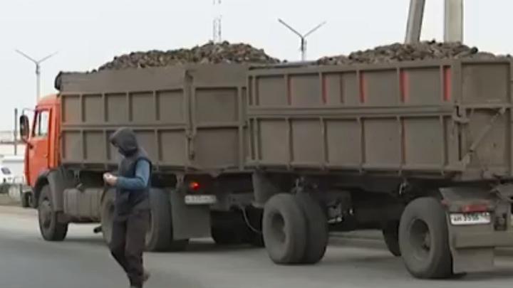 В Ельце ГИБДД борется с перевозчиками сахарной свеклы