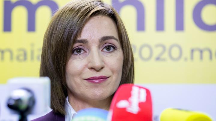 Решение КС Молдавии о статусе русского противоречит обещаниям Санду