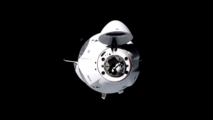 """""""Роскосмос"""" ведет переговоры о полетах космонавтов на Crew Dragon"""