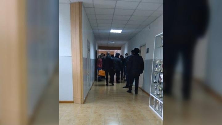 Горные ишаки - Учитель попал в больницу после конфликта со стрельбой в лицее Нальчика