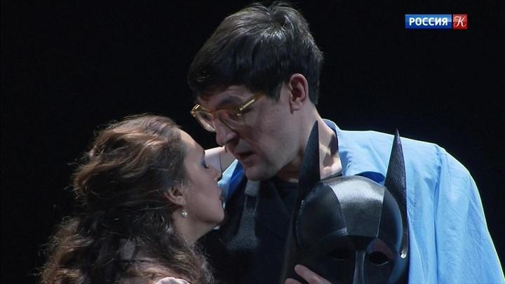 В театре на Малой Бронной репетируют спектакль «Бэтмен против Брежнева»