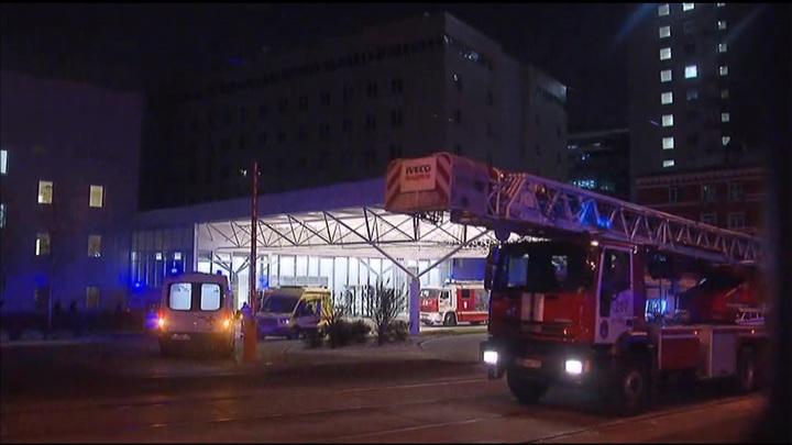Пожар в московской больнице: людей эвакуируют из здания
