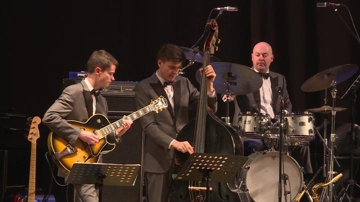 Оркестр под руководством Игоря Бутмана дал концерт в Оренбурге