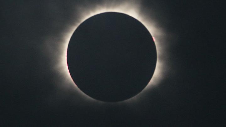 Кольцеобразное затмение Солнца в России продлится почти 3 с половиной минуты