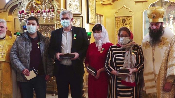 Четыре врача орской горбольницы №1 получили медали от Патриарха Кирилла