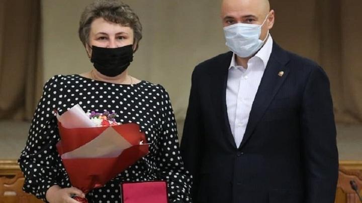 Липецкой медсестре вручили медаль Луки Крымского
