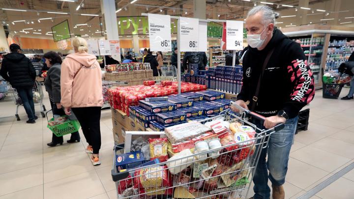 Песков: правительство продолжает рыночное регулирование цен на продукты