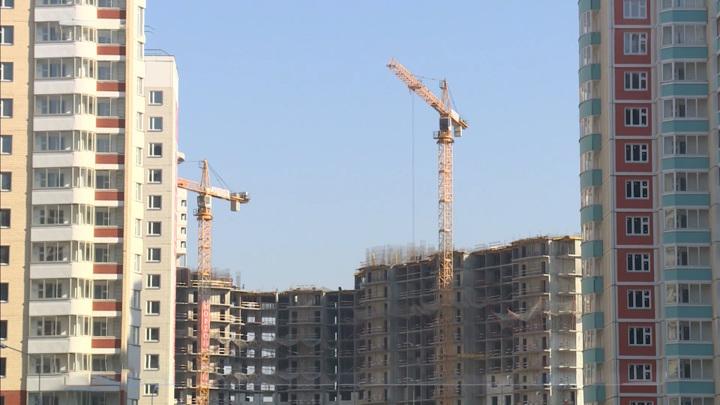 Россияне в кризис увеличили размер и срок ипотеки