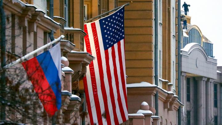 США рекомендуют своим гражданам с истекающими визами покинуть РФ