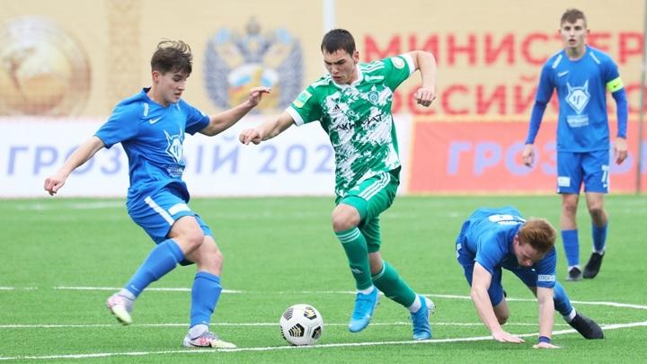 """Футболисты """"Ахмата"""" и """"Чертаново"""" дисквалифицированы на шесть матчей за драку"""