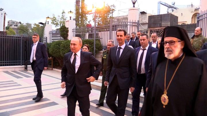Путин поблагодарил представителей ислама за сохранение христианских святынь в Сирии